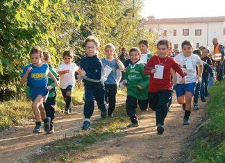 csi varese giovani atleti durante una corsa campestre